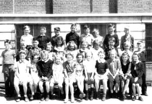 1944 Grade 3 school-pic-1